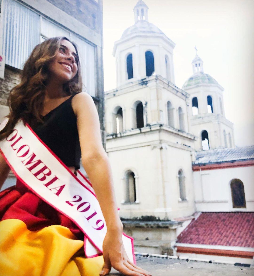 maya mejia ospina, miss teen mundial colombia 2019. - Página 2 59944210