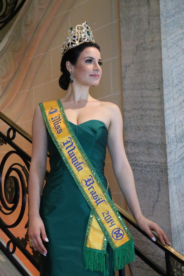 julia gama, miss brasil universo 2020/top 11 de miss world 2014. 5i5ji910