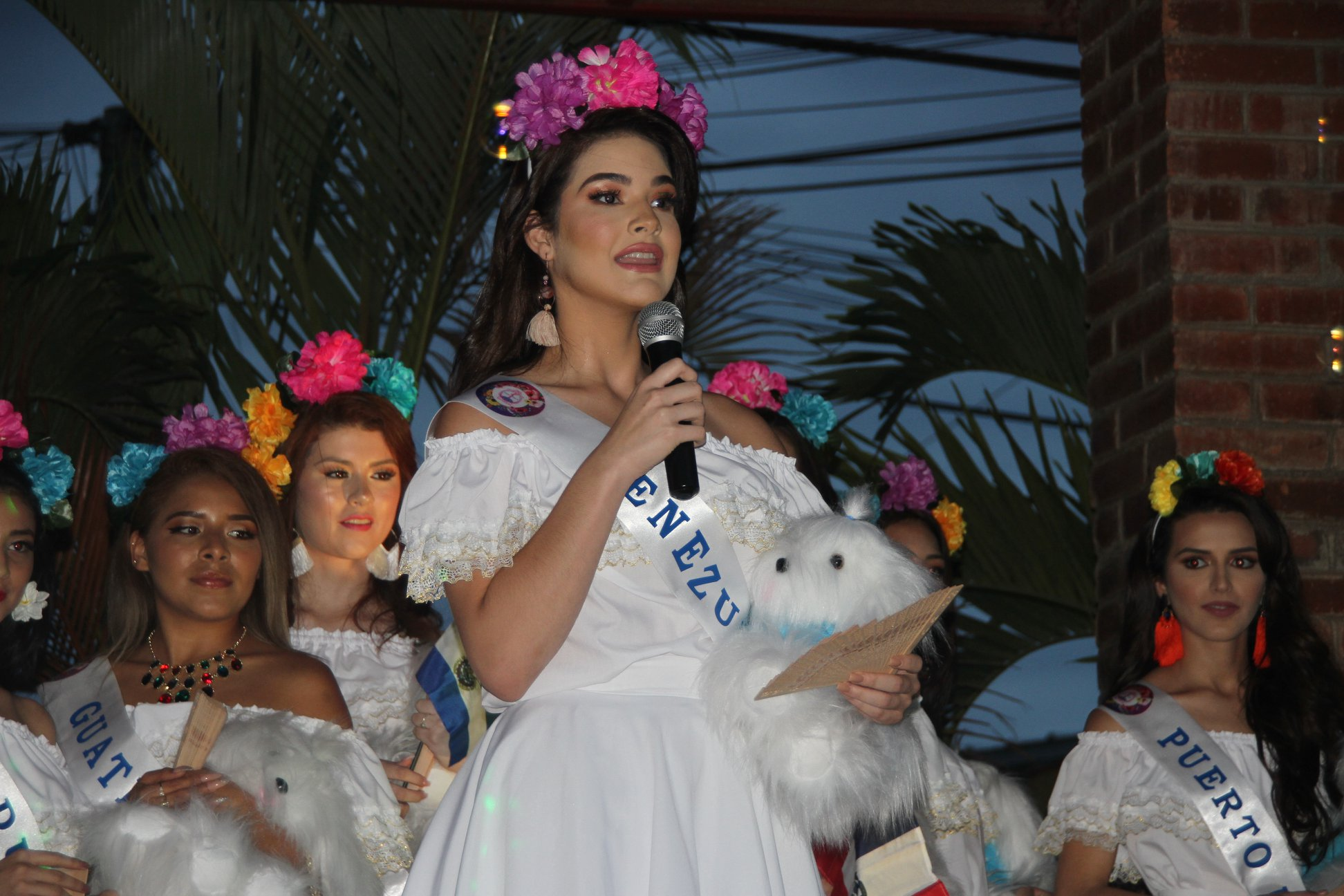 daniela di venere, top 12 de miss teen mundial 2019. - Página 4 60967010