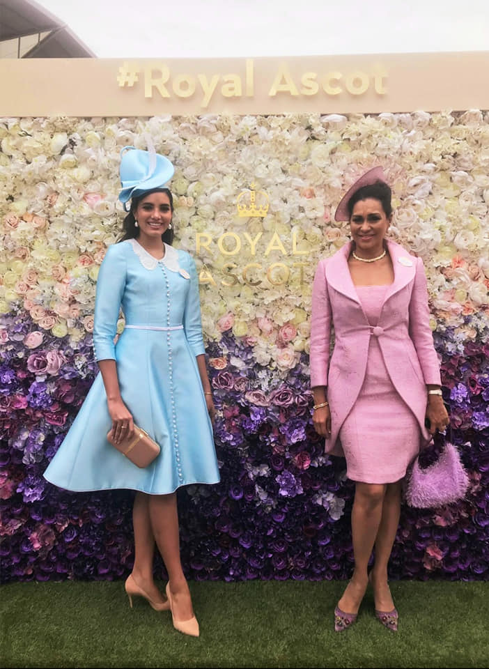 miss world 2016 junto a miss world 1975 durante royal ascot 2019.  64657210