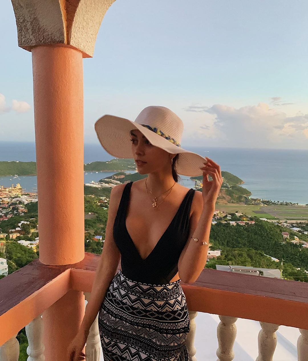 alexandra morillo, top 10 de miss asia pacific international 2019. 66659610