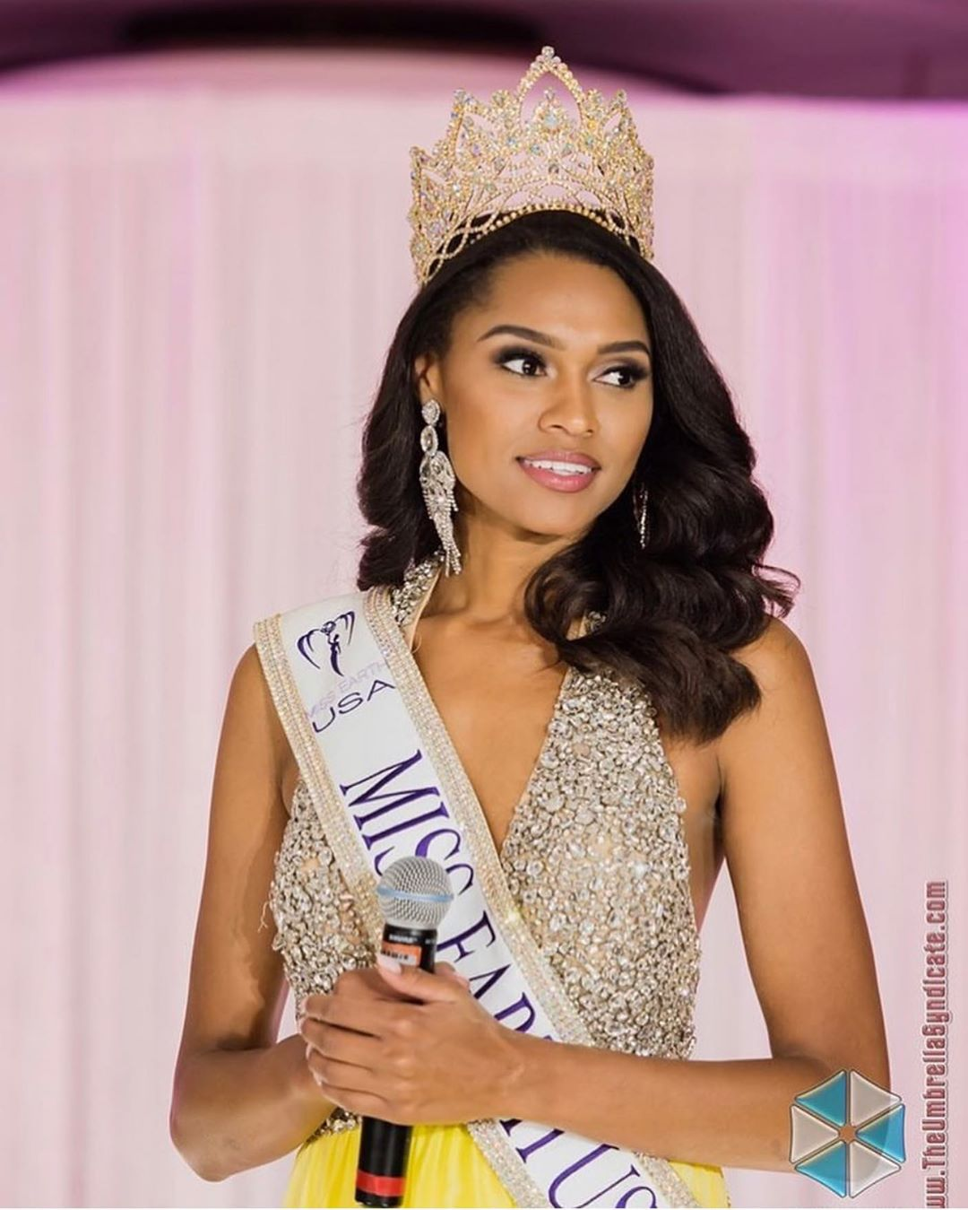 emanii davis, miss earth - air 2019. 67581210