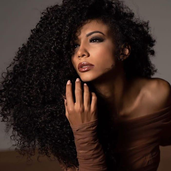 cheslie kryst, top 10 de miss universe 2019. - Página 3 67739210