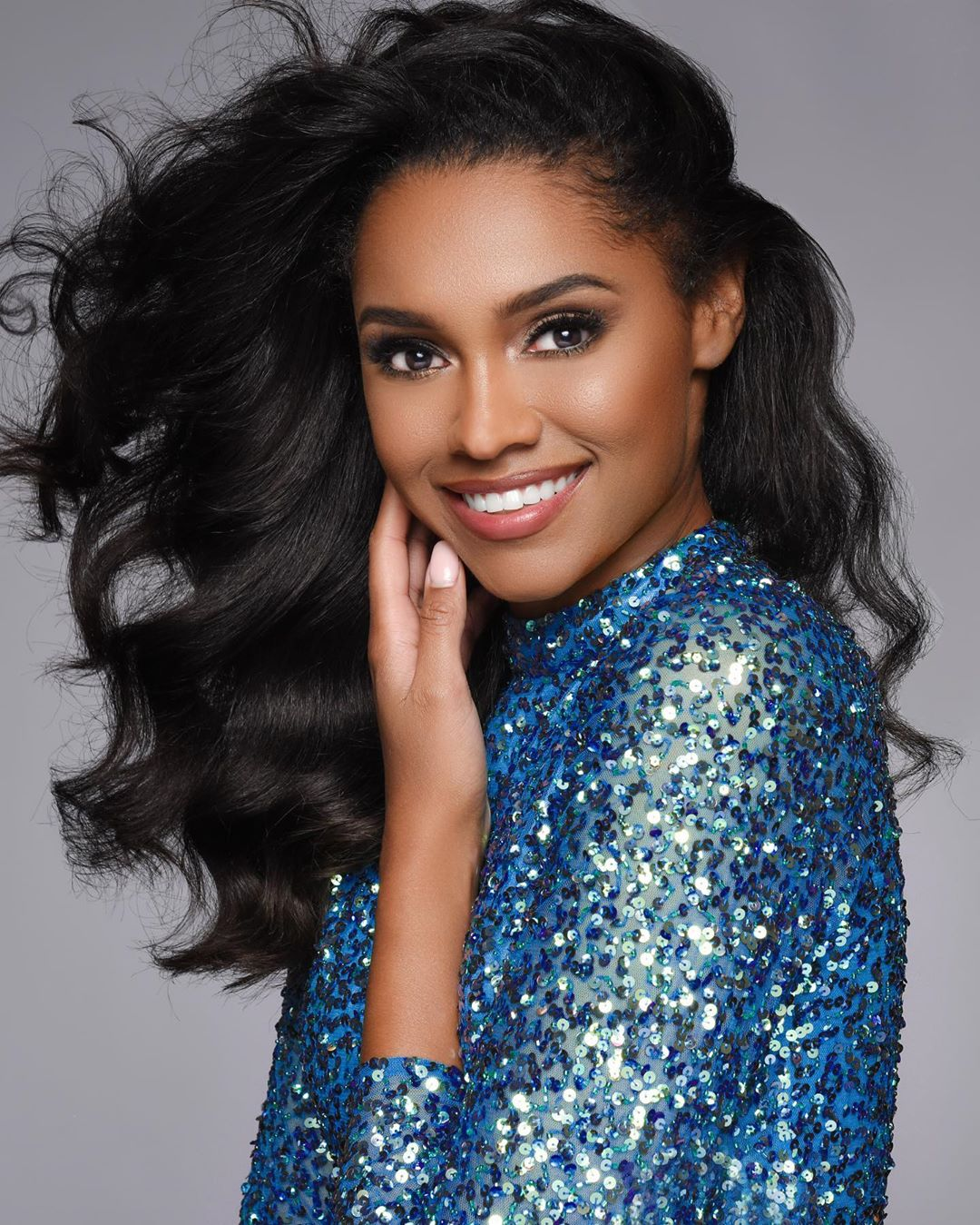 emanii davis, miss earth - air 2019. 67815210