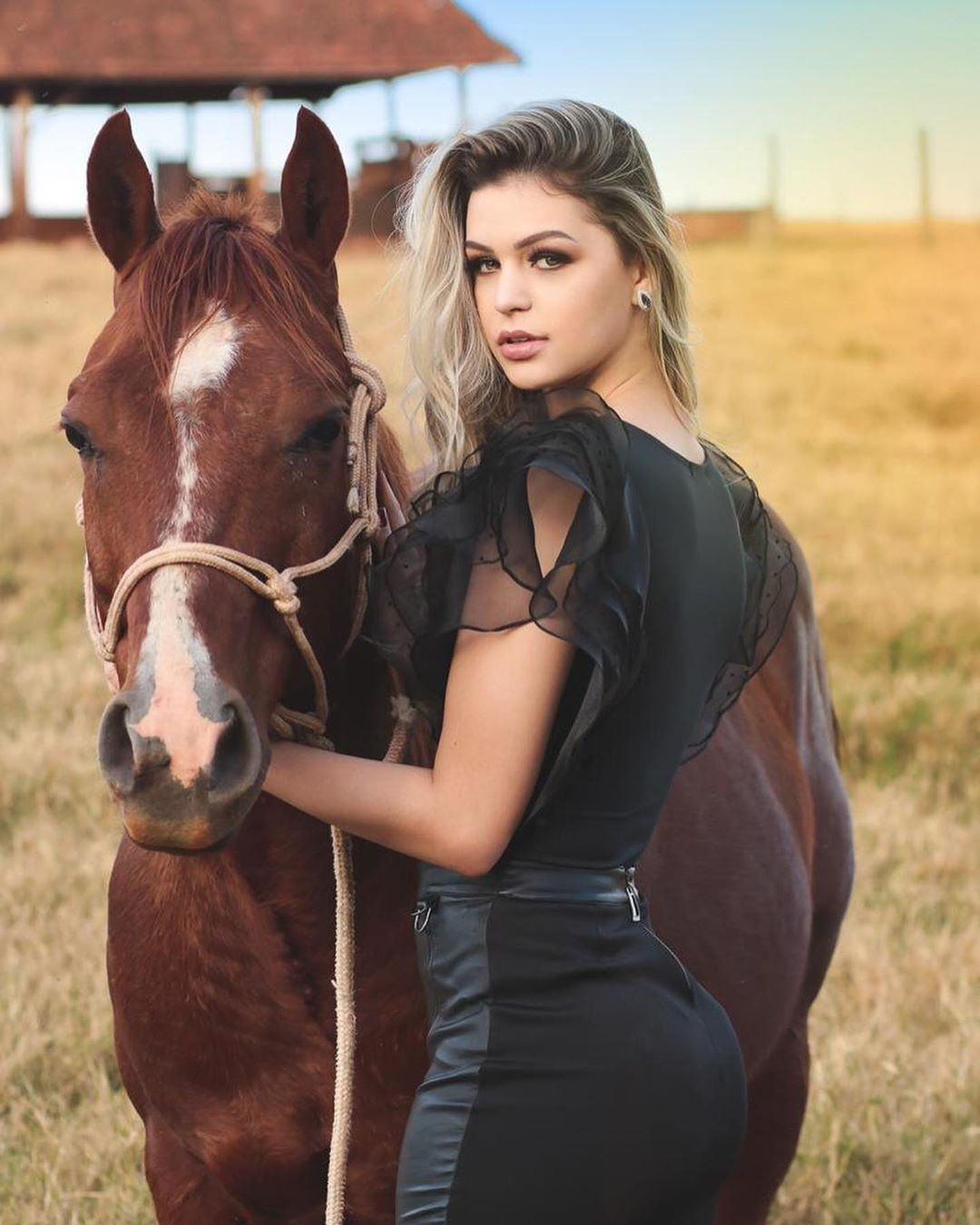 maria gabriela batistela, miss brasil terra 2019. 69063710