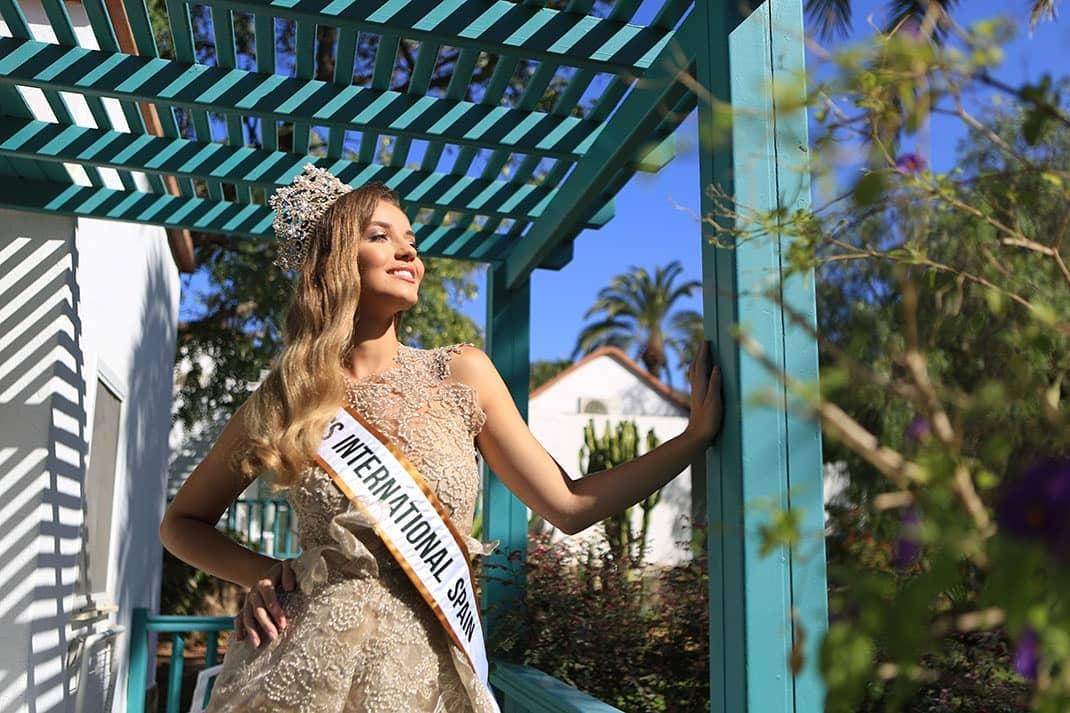 claudia cruz garcia gonzalez, miss international spain 2019. 69543911
