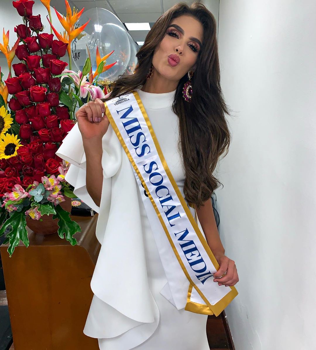 michell castellanos, miss earth venezuela 2019. - Página 3 69553611