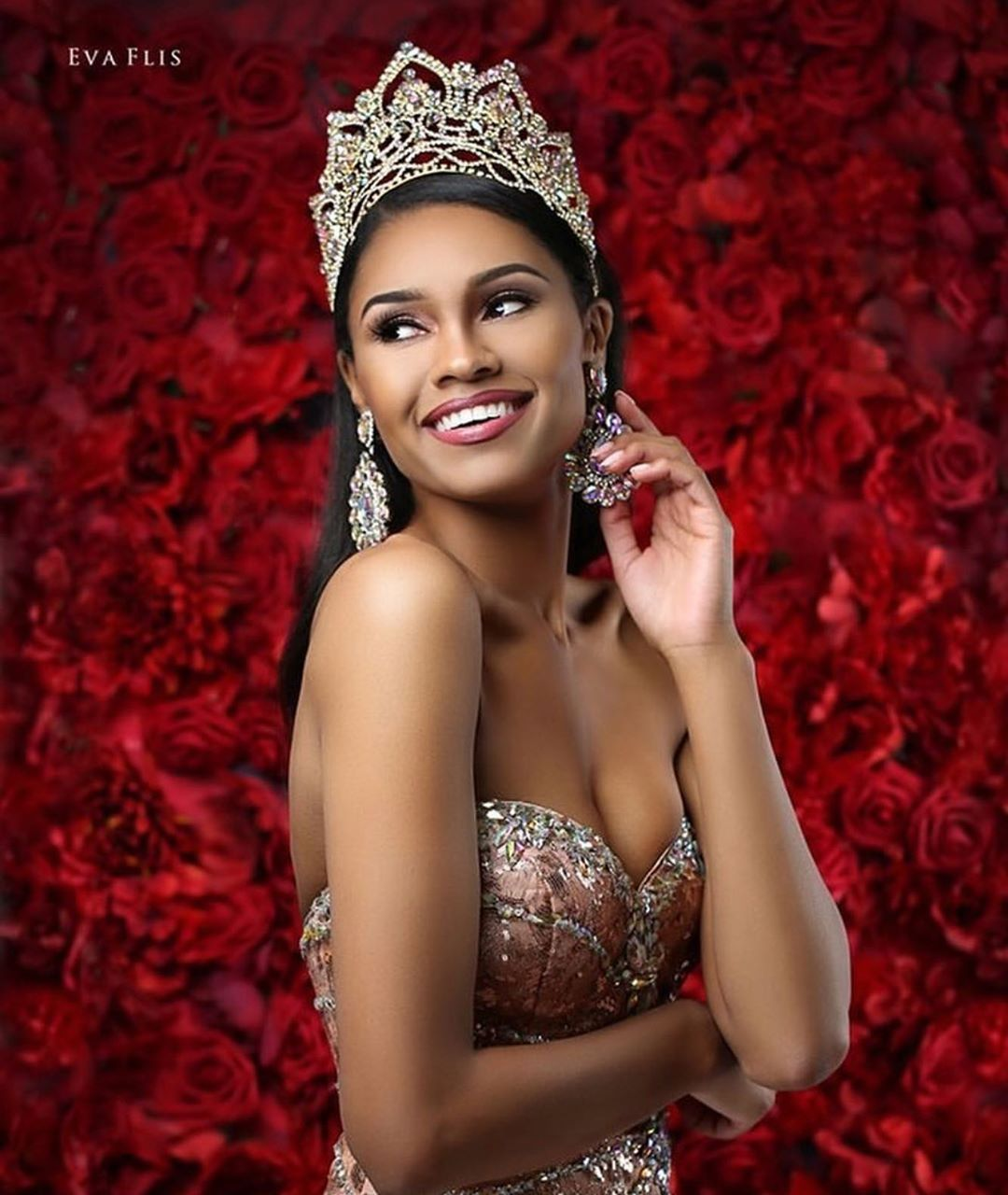 emanii davis, miss earth - air 2019. 69882510