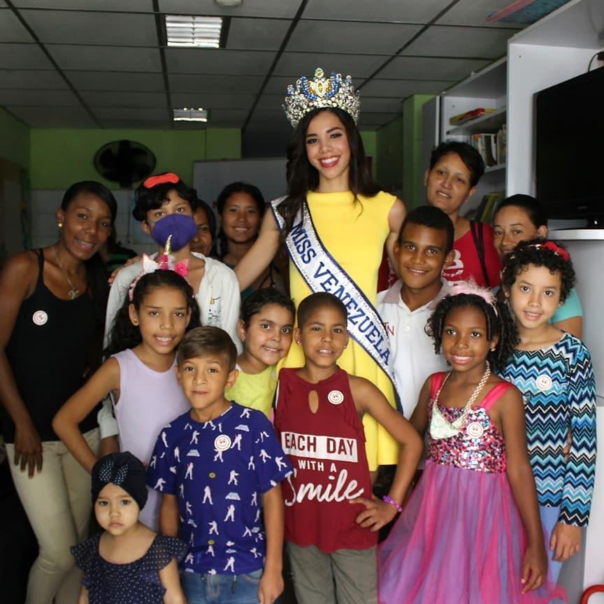 thalia olvino, top 20 de miss universe 2019. - Página 3 70025110
