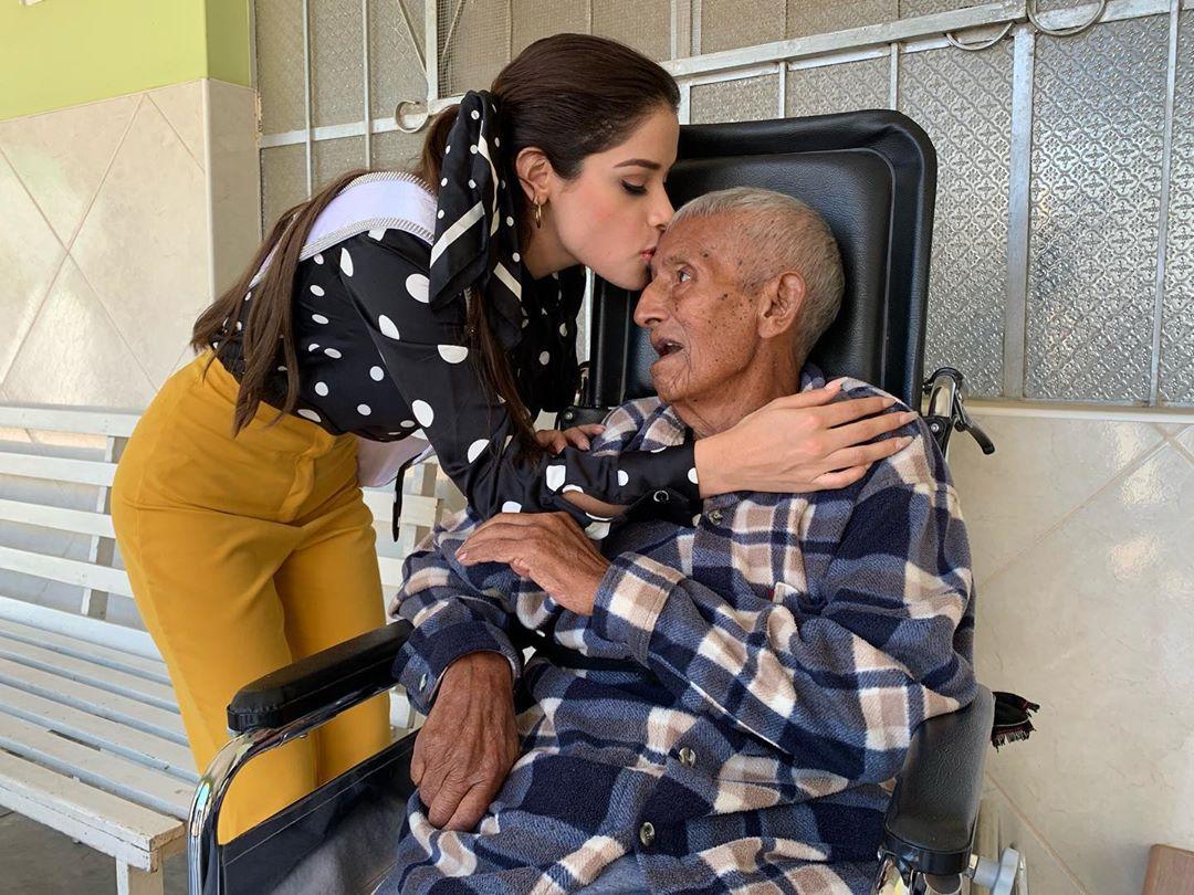 angella escudero, miss world peru 2019. - Página 3 70190611