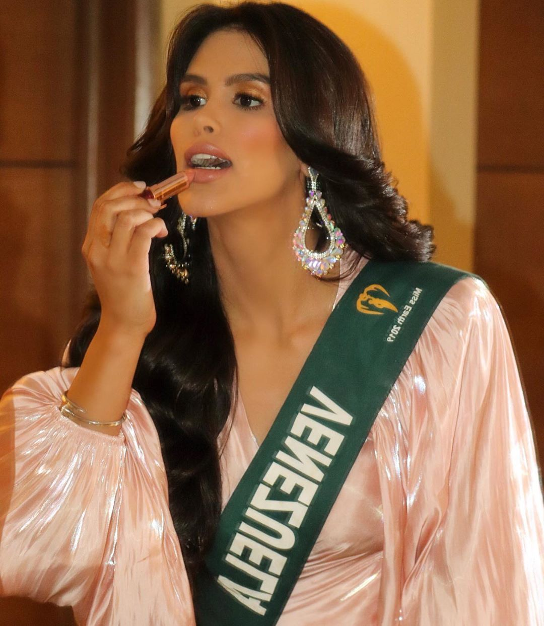 michell castellanos, miss earth venezuela 2019. - Página 6 70637610
