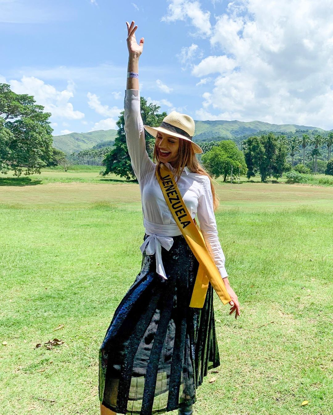 lourdes valentina figuera, miss grand international 2019. - Página 6 71109710