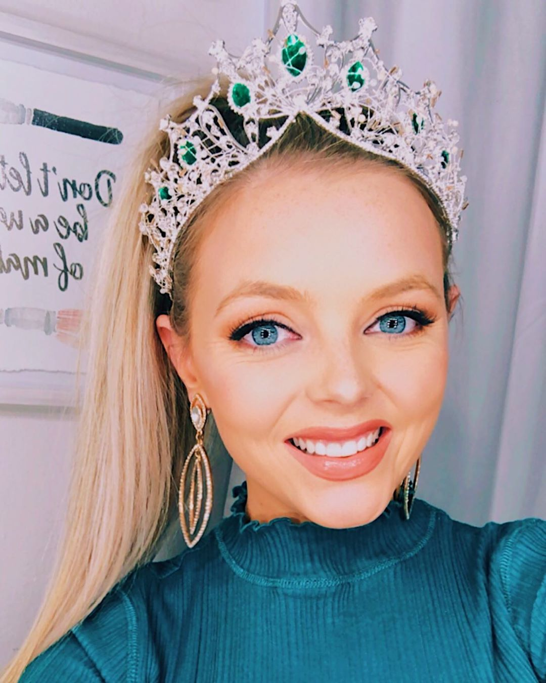 emmy rose cuvelier, top 40 de miss world 2019. 71719710