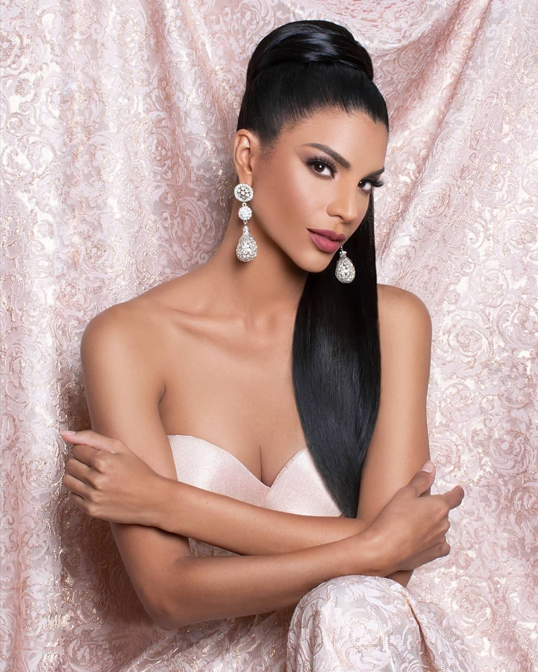isabella rodriguez, top 40 de miss world 2019. - Página 3 71784710