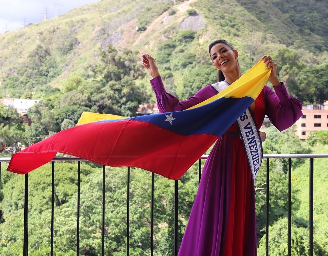 thalia olvino, top 20 de miss universe 2019. - Página 6 72262110
