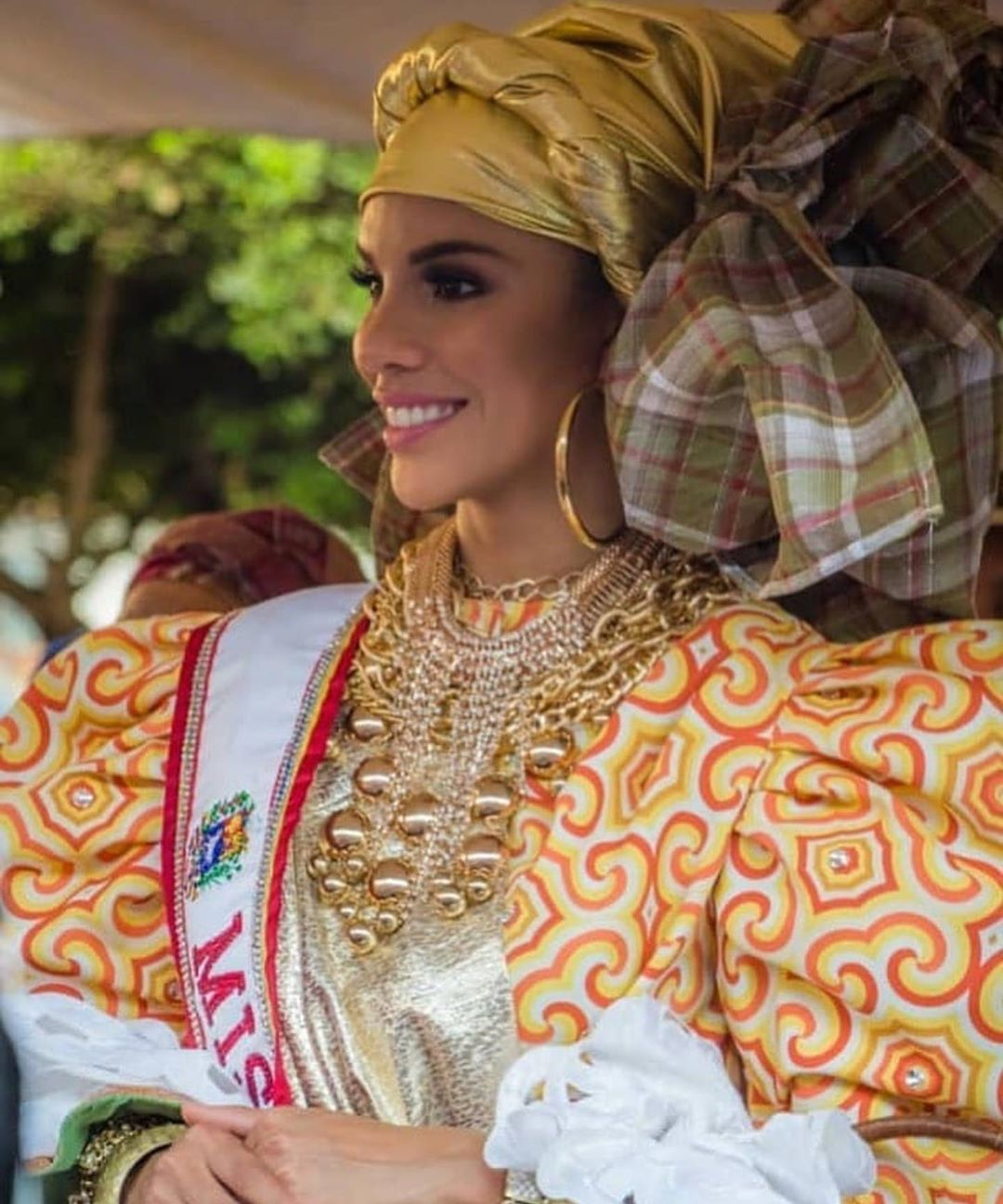 isabella rodriguez, top 40 de miss world 2019. - Página 4 72285110