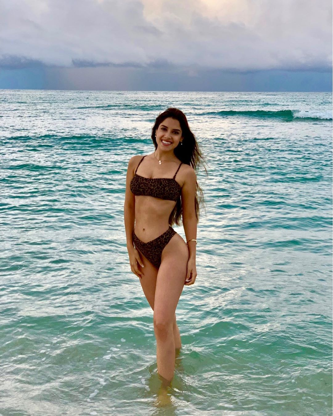 angella escudero, miss world peru 2019. - Página 2 72331910