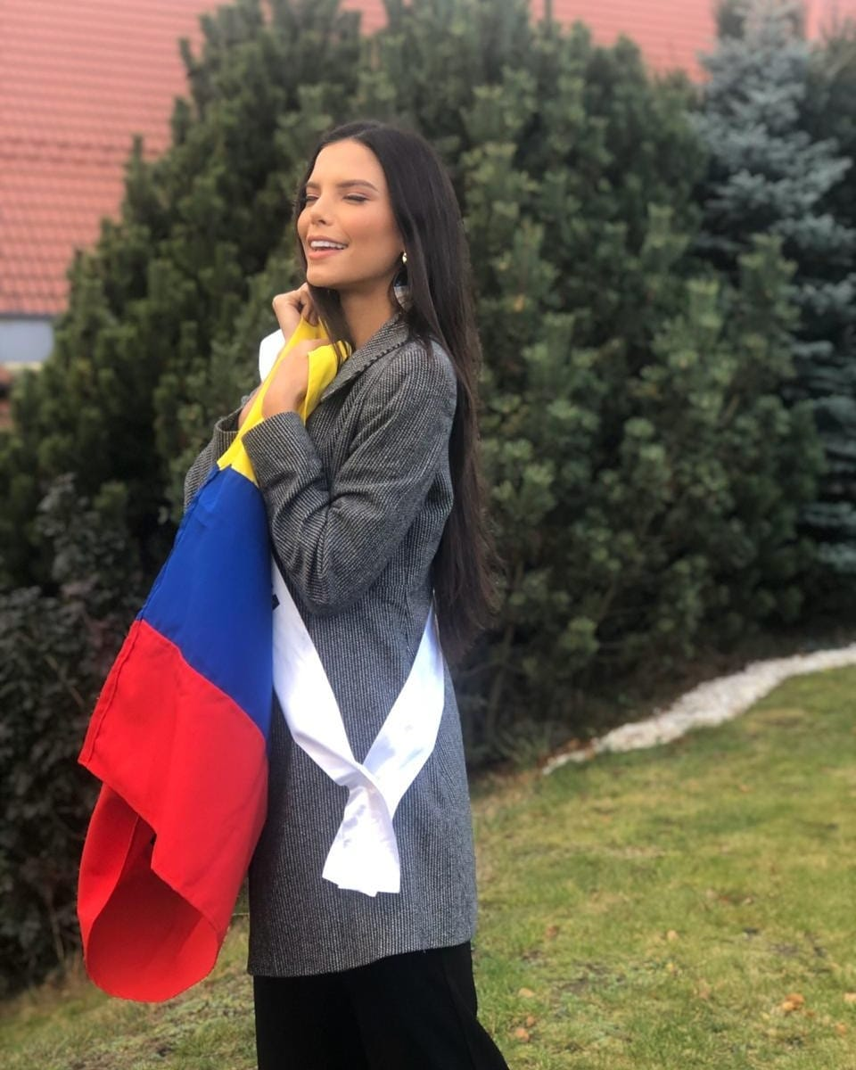 yaiselle tous, miss supranational colombia 2019. - Página 10 72946110