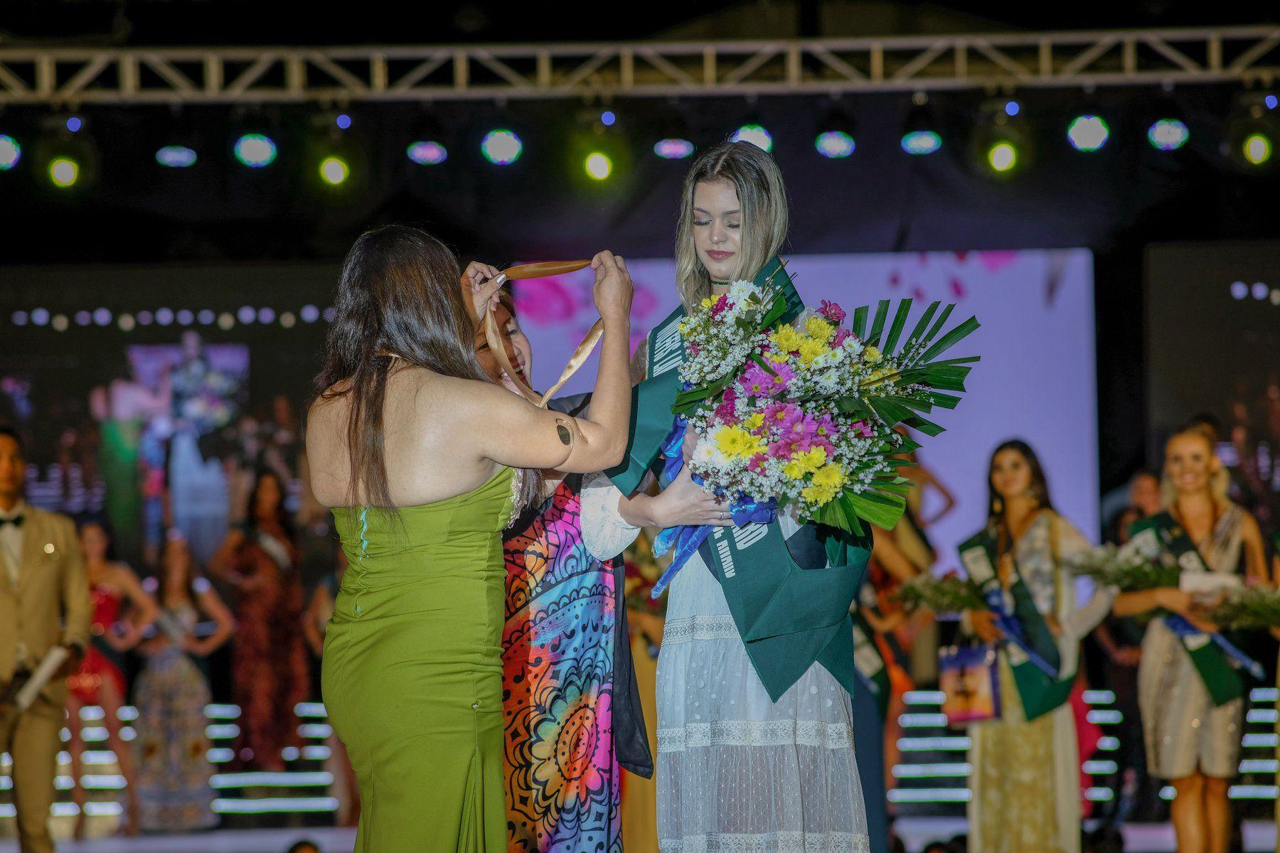 maria gabriela batistela, miss brasil terra 2019. - Página 19 72980210