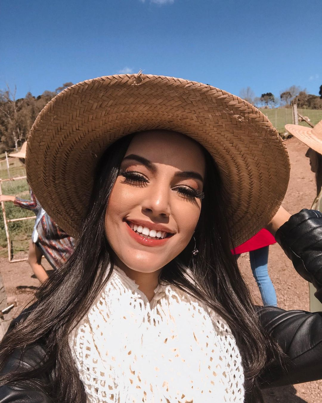 rafaella felipe, top 20 de miss brasil mundo 2019. - Página 9 73387413