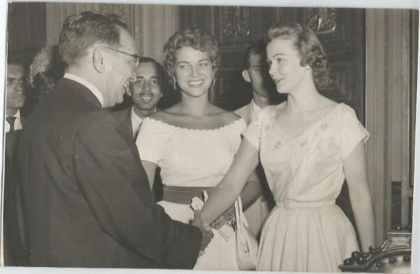 martha rocha, top 2 de miss universe 1954. primeira brasileira a participar de miss universe.†  - Página 4 73693810