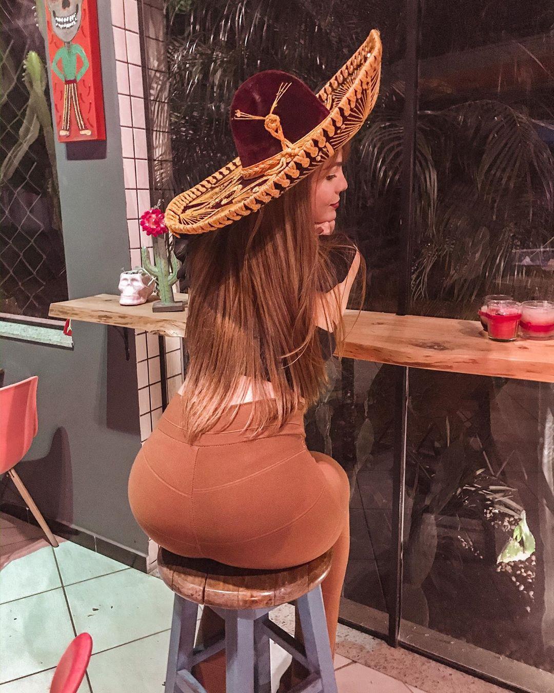 nathalie de oliveira, miss bom jardim 2019/1st runner-up de miss international queen 2016. - Página 9 76788211