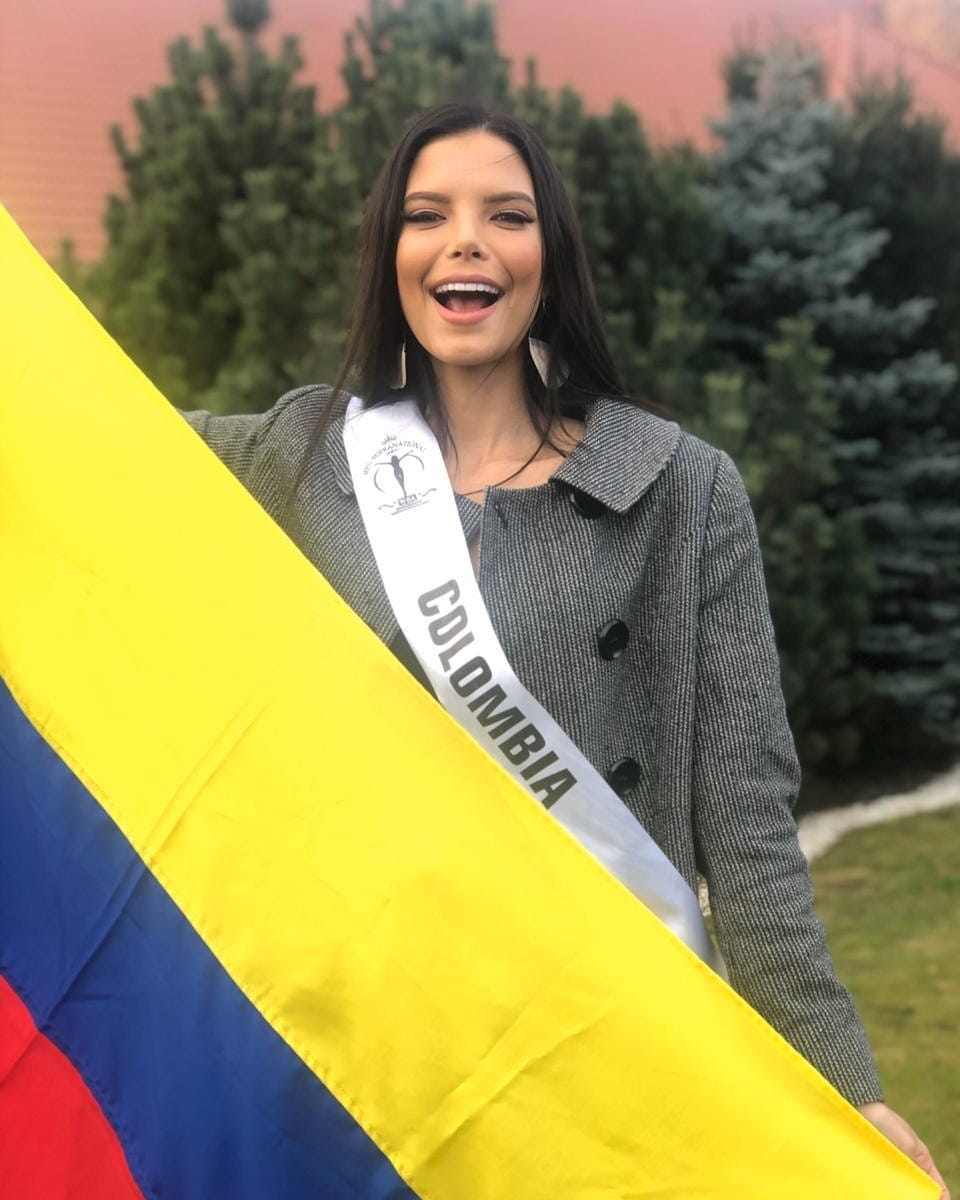 yaiselle tous, miss supranational colombia 2019. - Página 10 77431611