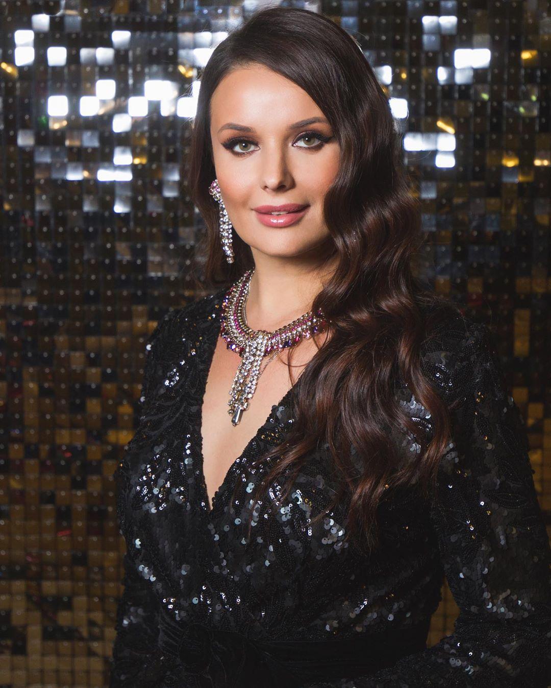 oxana fedorova, miss universe 2002 (renuncio). - Página 9 80698910