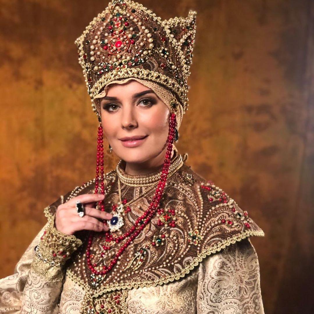 oxana fedorova, miss universe 2002 (renuncio). - Página 9 80856910