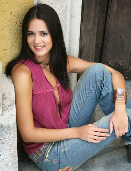 monica spear, top 5 de miss universe 2005. † - Página 16 817c8f10