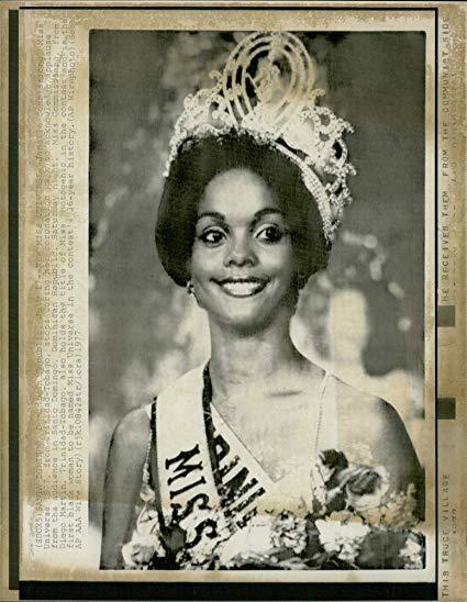 janelle commissiong, miss universe 1977. - Página 3 81x1vv10