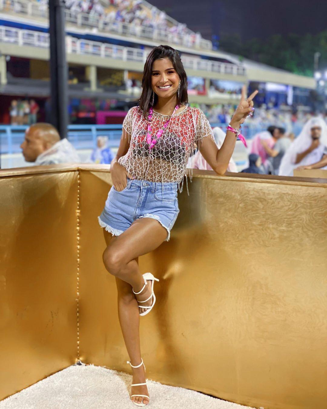 julia horta, top 20 de miss universe 2019. - Página 45 87574410