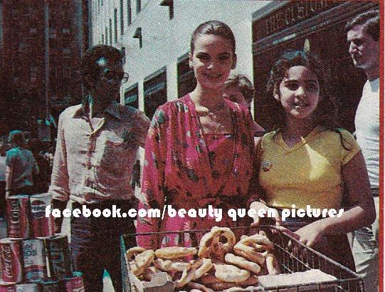 maritza sayalero, miss universe 1979. - Página 5 92442410