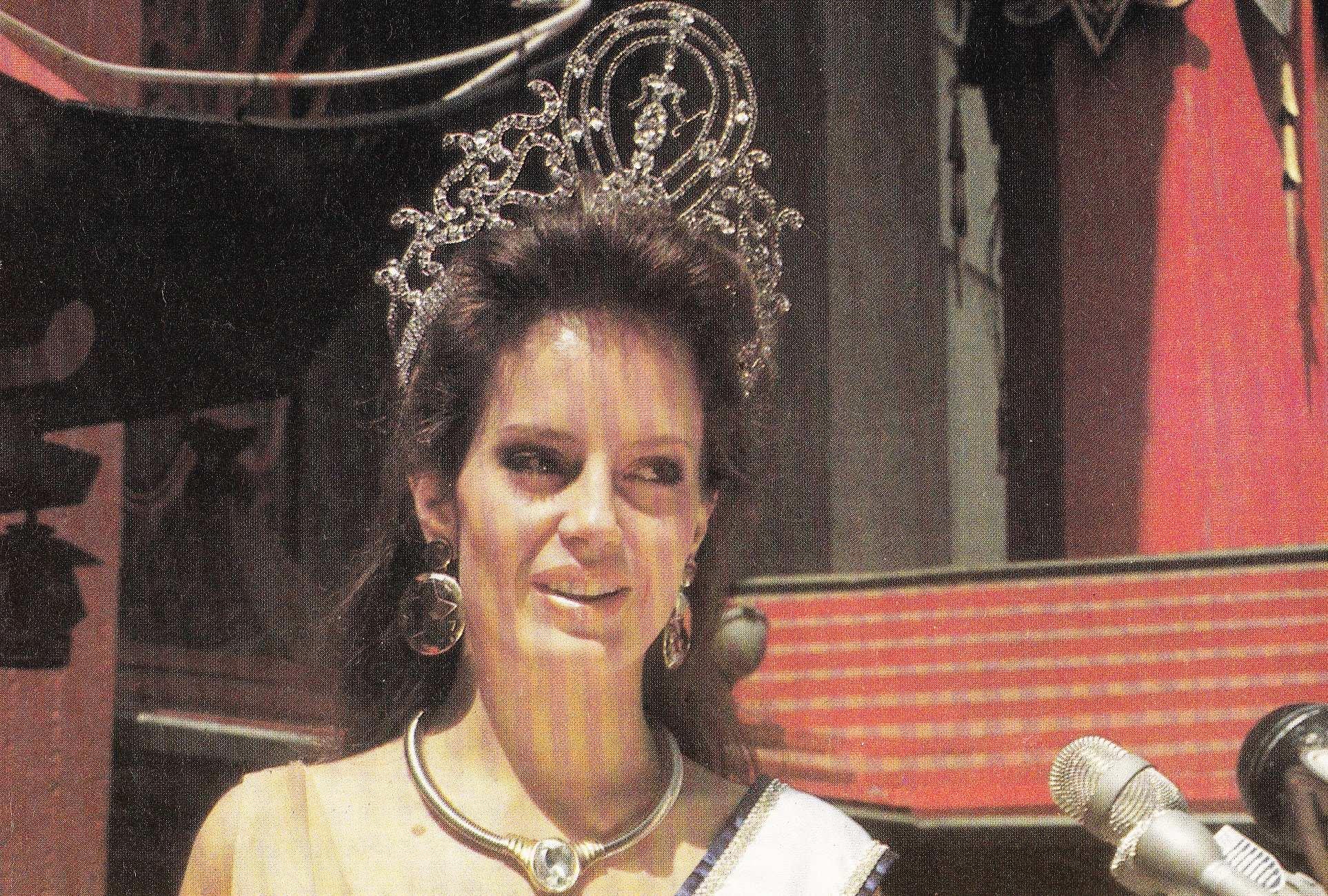 cecilia bolocco, miss universe 1987. - Página 4 92615310