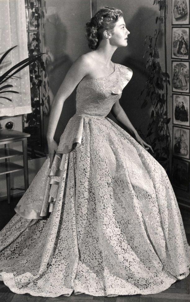 armi kuusela, miss universe 1952. primera mu. - Página 3 9ae06b10