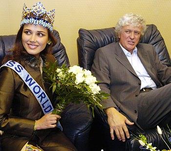 maria julia mantilla garcia (aka maju mantilla), miss world 2004. - Página 2 A0504022