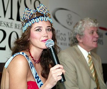 maria julia mantilla garcia (aka maju mantilla), miss world 2004. - Página 2 A0504025