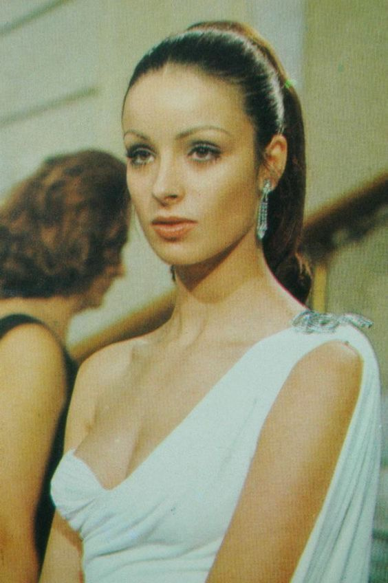 amparo munoz, miss universe 1974. † Ae9bdb10