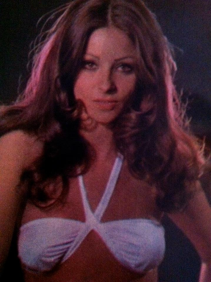 amparo munoz, miss universe 1974. † - Página 4 Aey3q210