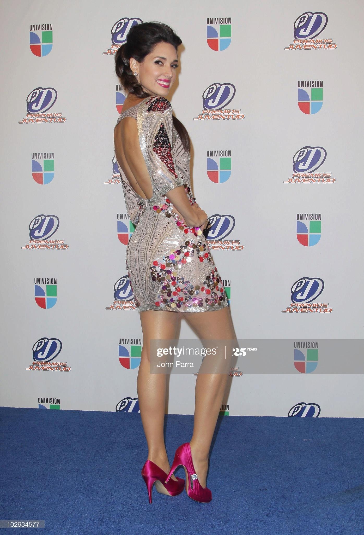 ════ ∘◦❁◦∘ ════ Amelia Vega, Miss Universe 2003. ════ ∘◦❁◦∘ ════ - Página 13 Amelia14