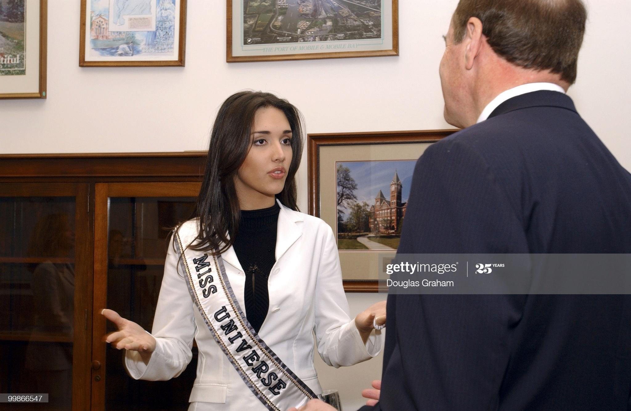 ════ ∘◦❁◦∘ ════ Amelia Vega, Miss Universe 2003. ════ ∘◦❁◦∘ ════ - Página 13 Amelia23