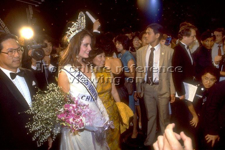 cecilia bolocco, miss universe 1987. - Página 3 Andre_11