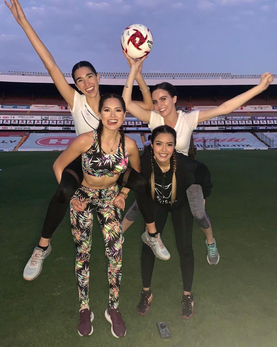 andrea meza, mexicana universal 2020/1st runner-up de miss world 2017. - Página 52 Andrea40