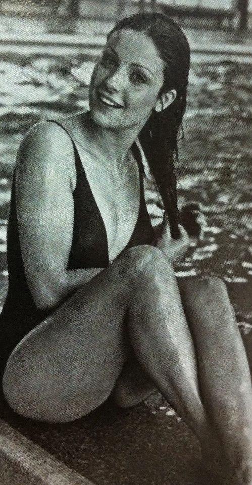 amparo munoz, miss universe 1974. † - Página 3 Aqvjd310