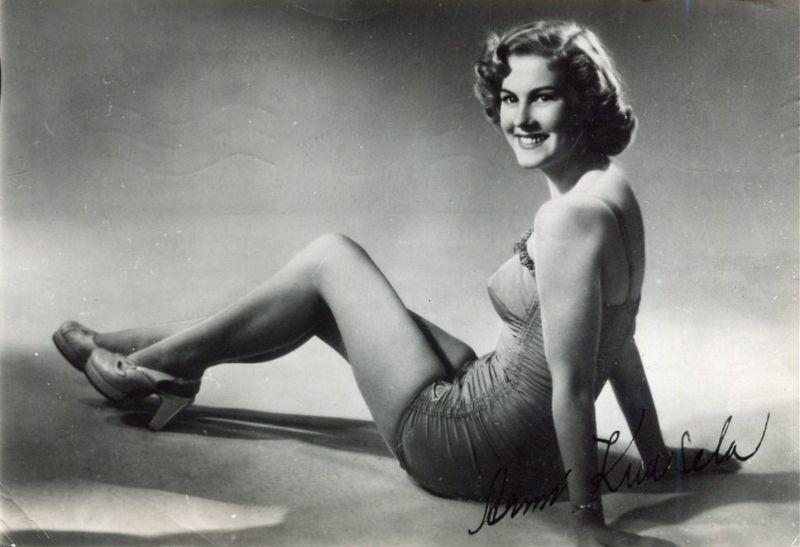armi kuusela, miss universe 1952. primera mu. - Página 2 Armi2b20