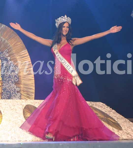 monica spear, top 5 de miss universe 2005. † - Página 17 B1139710
