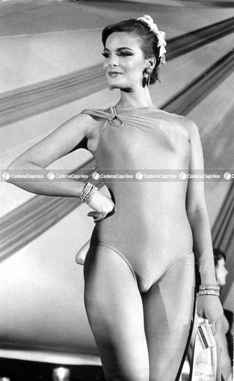 maritza sayalero, miss universe 1979. - Página 3 Bfmxez10
