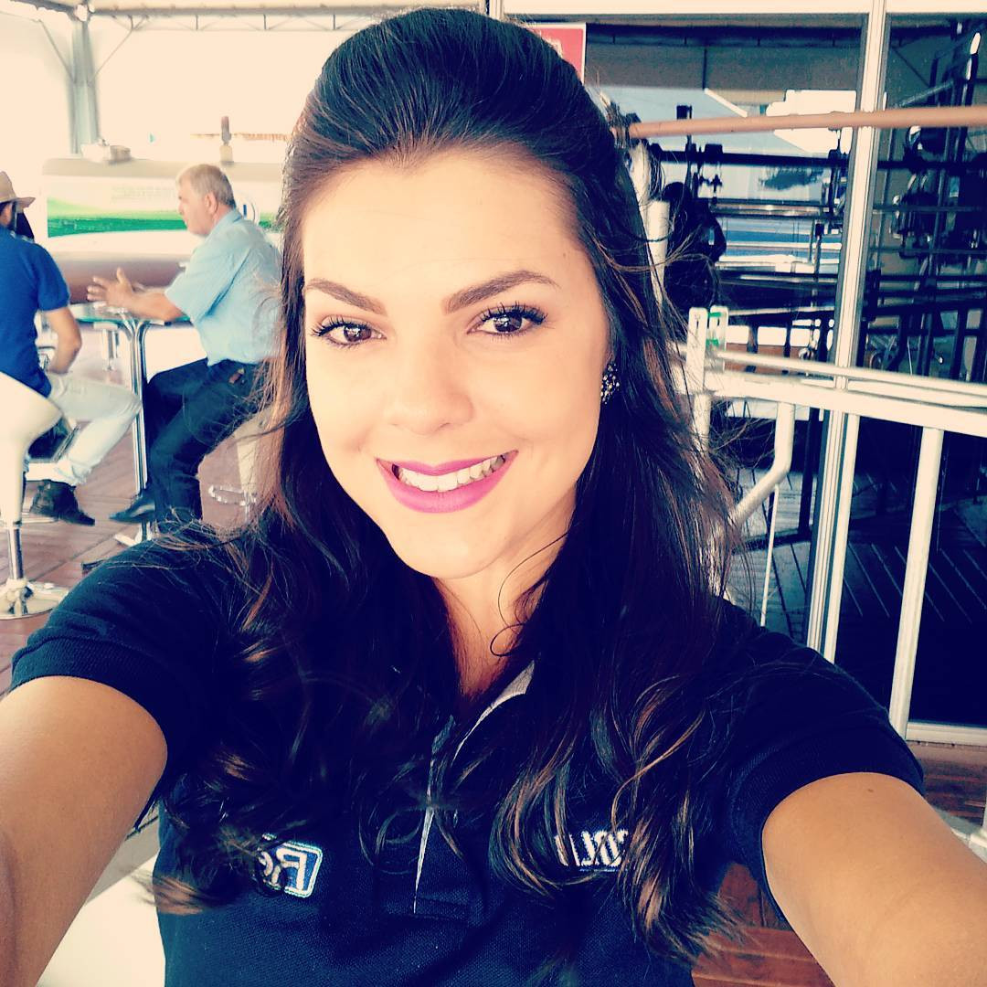 jessica poeta lirio, miss friendship brazil 2021/top 10 de miss tourism queen international 2015. - Página 5 Bz7dzv10