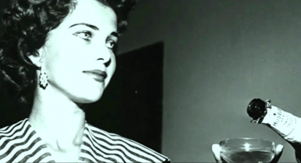 martha rocha, top 2 de miss universe 1954. primeira brasileira a participar de miss universe.†  - Página 3 Captur11