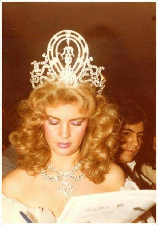 irene saez, miss universe 1981. - Página 4 Cb7baa10
